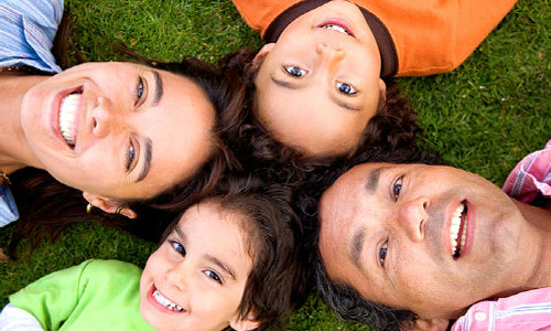 smiling-family-500x300